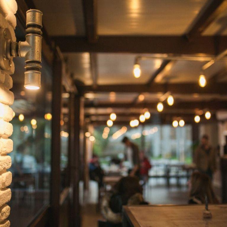 Vista luce su colonna